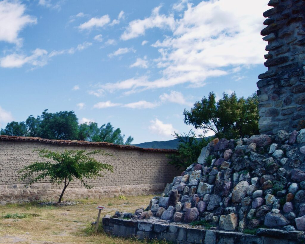 Grupo del Arroyo - Mitla